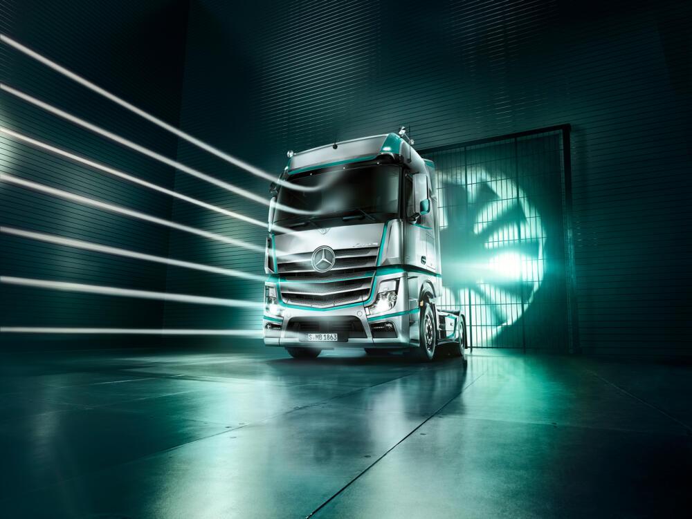 Fernverkehr. Der neue Actros 2015-03. Copyright Daimler AG. Actros, aerodynamisch, Windkanal, Oversea