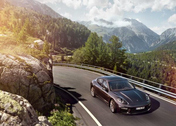 Porsche Werbung retouched by Sublime Postproduction